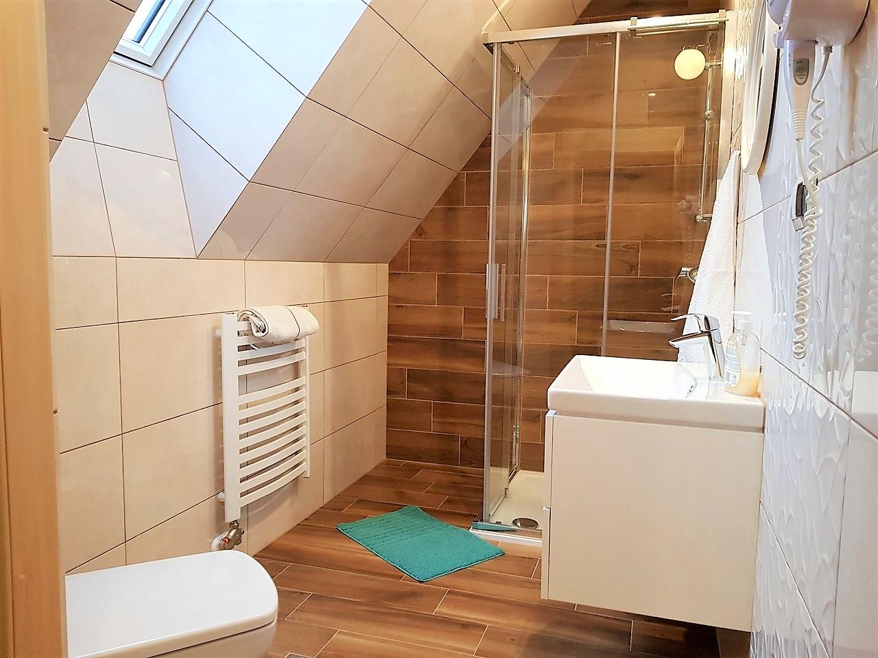 pokoje zakopane 9 łazienka (1)